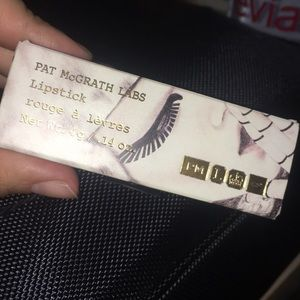 Pat McGRATH lipstick in Realness 😍💄🙌🏻